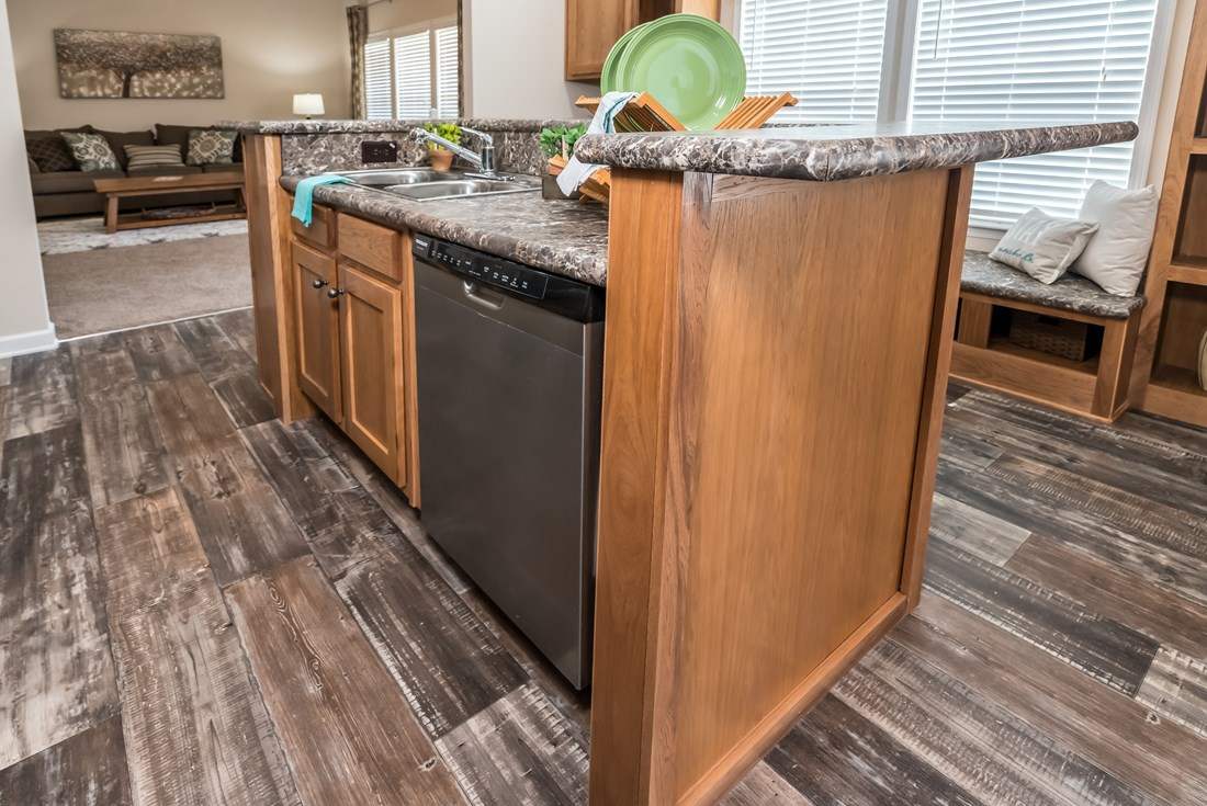 The 2914 HERITAGE Kitchen. This Manufactured Mobile Home features 3 bedrooms and 2 baths.