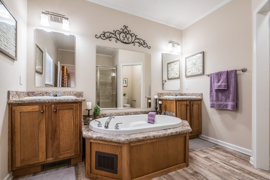The 2914 HERITAGE Master Bathroom. This Manufactured Mobile Home features 3 bedrooms and 2 baths.