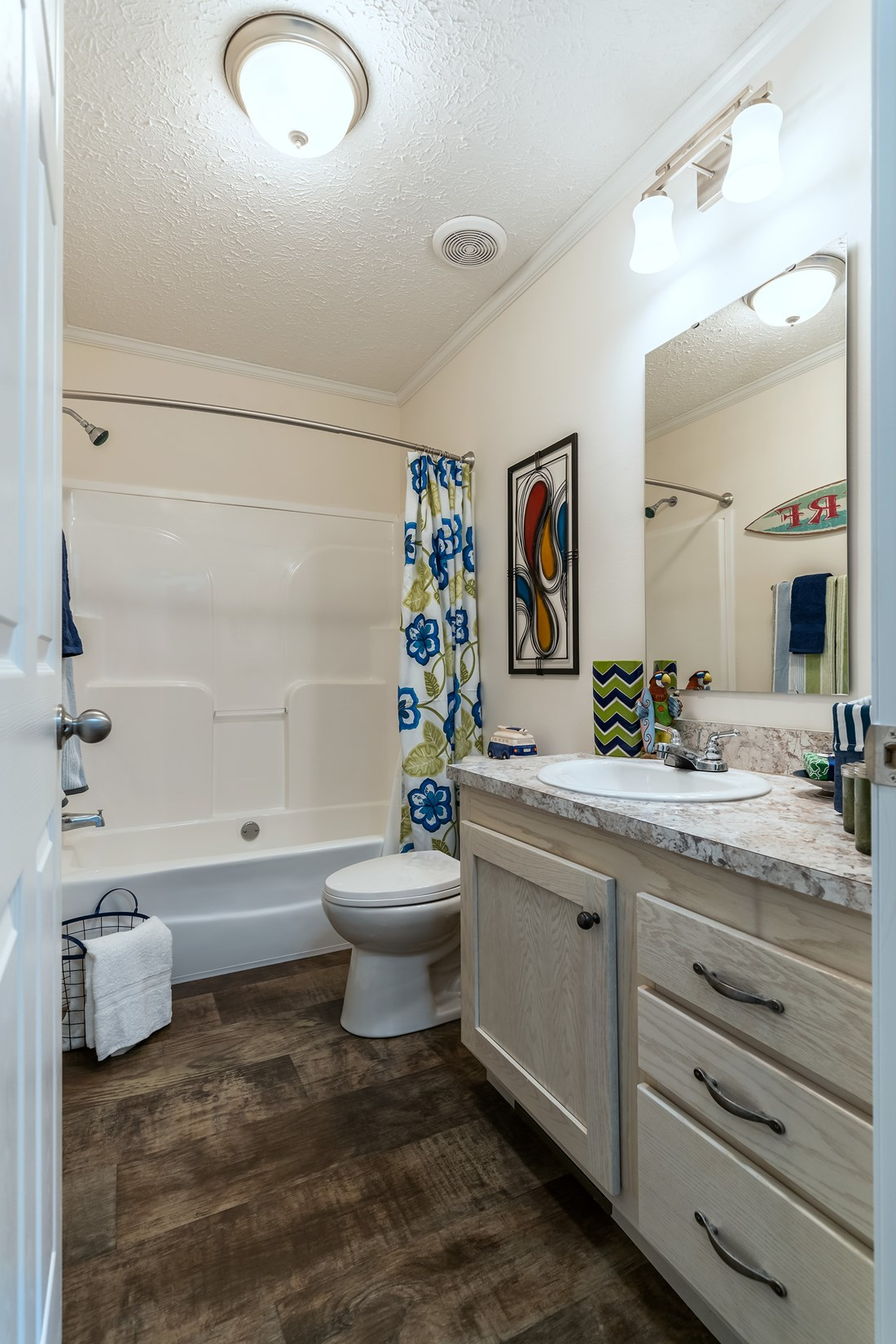 The 2467 HERITAGE Guest Bathroom. This Modular Home features 3 bedrooms and 2 baths.
